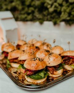 mini burgery catering na chrzciny